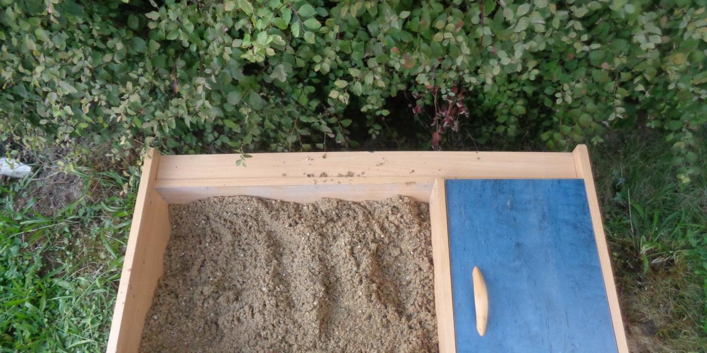 kleine recyclete Sandkiste