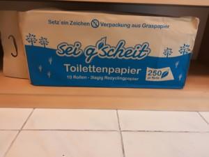 WC-Papier in Papier